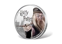 This coin is struck in 1oz of fine silver to a proof finish. Issued by Fiji, this 1 dollar coin features a coloured photographic image of Dumbledore. Official Harry Potter Coin.